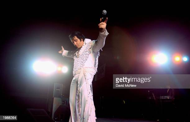 Elvis Presley impersonator Johnny Thompson performs at 'A Weekend with the King' gathering to remember and honor the late rock star Elvis Presley on...