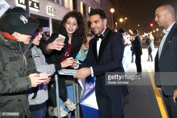 Elyas M'Barek and fans during the GQ Men of the year Award 2017 at Komische Oper on November 9 2017 in Berlin Germany