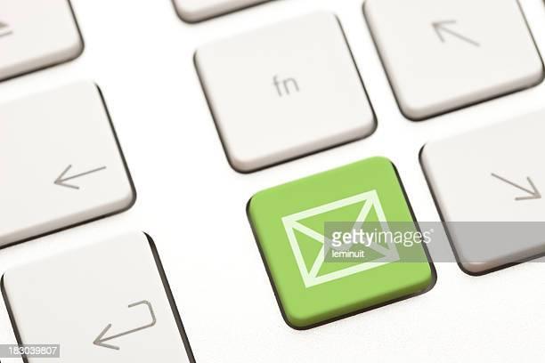 E-mail'enveloppe dans une touche de clavier