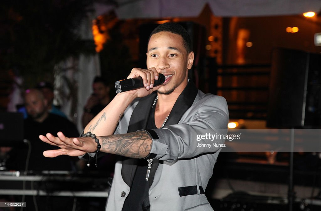 Emanny performs at Hudson Cafe on May 15, 2012 in New York City.