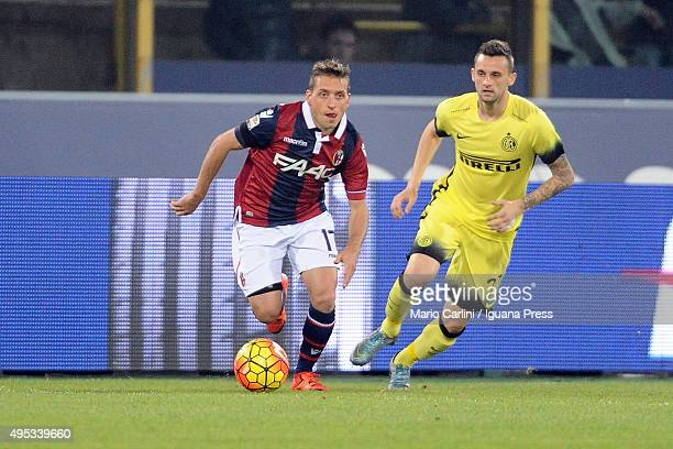 Emanuele Giaccherini of Bologna FC in action during the Serie A match between Bologna FC and FC Internazionale Milano at Stadio Renato Dall'Ara on...