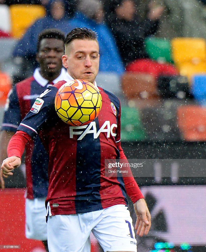 <a gi-track='captionPersonalityLinkClicked' href=/galleries/search?phrase=Emanuele+Giaccherini&family=editorial&specificpeople=6675873 ng-click='$event.stopPropagation()'>Emanuele Giaccherini</a> of Bologna FC in action during the Serie A match between Udinese Calcio and Bologna FC at Stadio Friuli on February 14, 2016 in Udine, Italy.