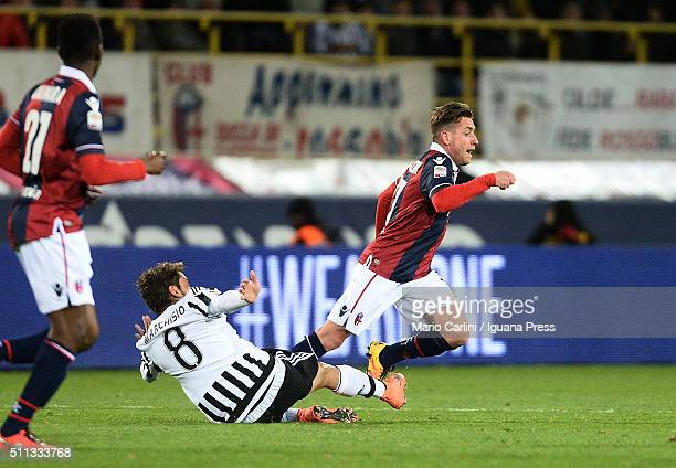 Emanuele Giaccherini of Bologna FC in action during the Serie A match between Bologna FC and Juventus FC at Stadio Renato Dall'Ara on February 19...