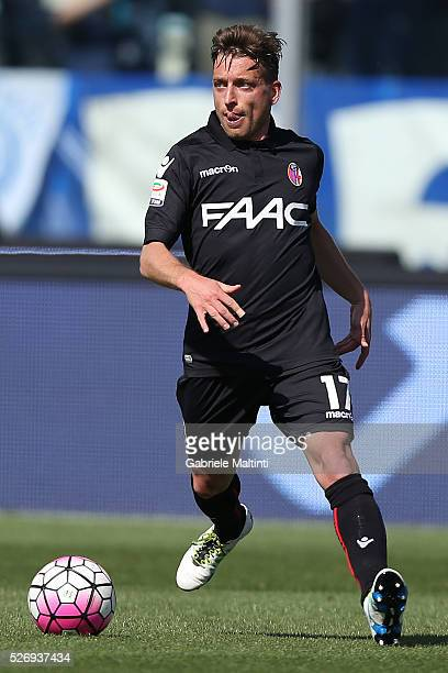 Emanuele Giaccherini of Bologna FC in action during the Serie A match between Empoli FC and Bologna FC at Stadio Carlo Castellani on May 1 2016 in...
