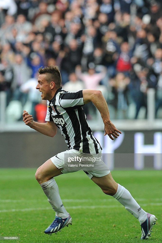 <a gi-track='captionPersonalityLinkClicked' href=/galleries/search?phrase=Emanuele+Giaccherini&family=editorial&specificpeople=6675873 ng-click='$event.stopPropagation()'>Emanuele Giaccherini</a> of FC Juventus celebrates his goal during the Serie A match between FC Juventus and Calcio Catania at Juventus Arena on March 10, 2013 in Turin, Italy.