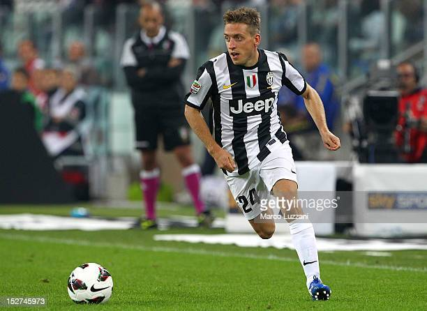 Emanuele Giaccherini of FC Juventus in action during the Serie A match between FC Juventus v AC Chievo Verona at Juventus Arena on September 22 2012...