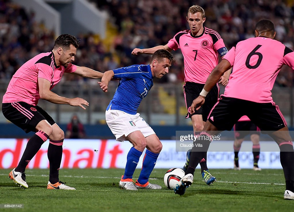 <a gi-track='captionPersonalityLinkClicked' href=/galleries/search?phrase=Emanuele+Giaccherini&family=editorial&specificpeople=6675873 ng-click='$event.stopPropagation()'>Emanuele Giaccherini</a> of Italy in action during the international friendly between Italy and Scotland on May 29, 2016 in Malta, Malta.
