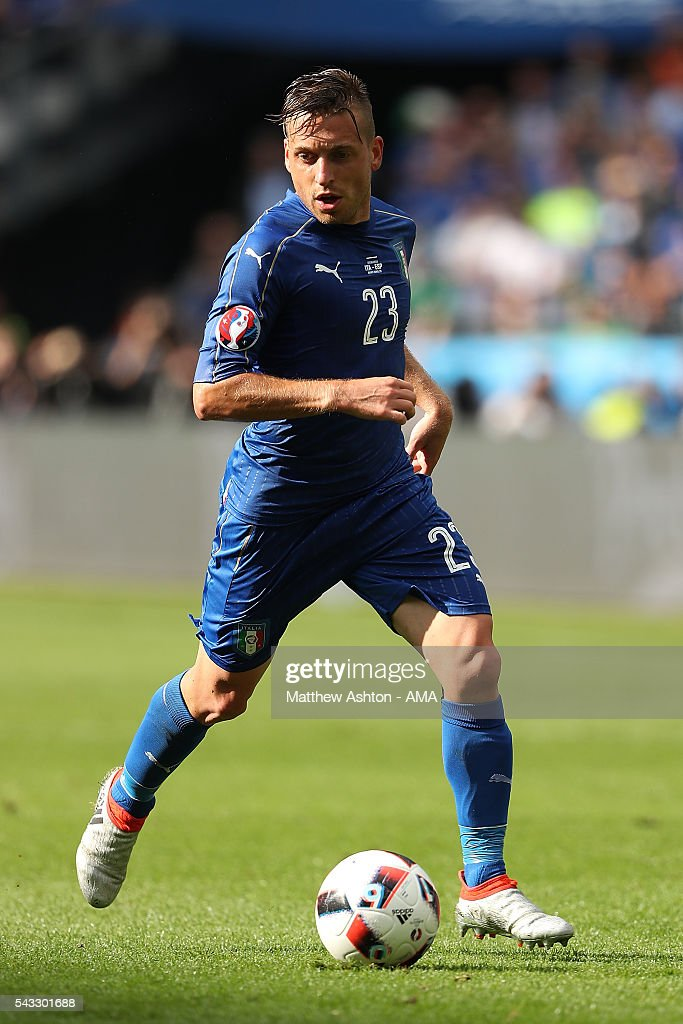 <a gi-track='captionPersonalityLinkClicked' href=/galleries/search?phrase=Emanuele+Giaccherini&family=editorial&specificpeople=6675873 ng-click='$event.stopPropagation()'>Emanuele Giaccherini</a> of Italy in action during the UEFA Euro 2016 Round of 16 match between Italy and Spain at Stade de France on June 27, 2016 in Paris, France.