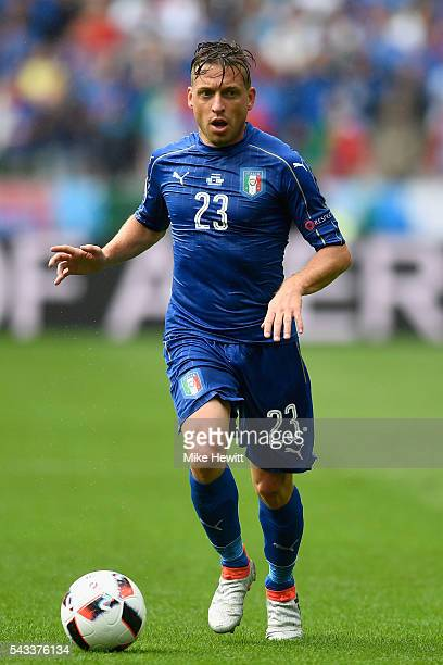 Emanuele Giaccherini of Italy in action during the UEFA Euro 2016 Round of 16 match between Italy and Spain at Stade de France on June 27 2016 in...