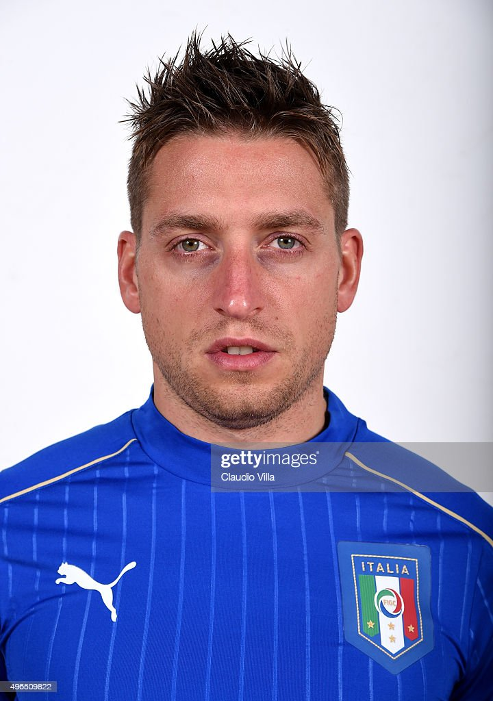 <a gi-track='captionPersonalityLinkClicked' href=/galleries/search?phrase=Emanuele+Giaccherini&family=editorial&specificpeople=6675873 ng-click='$event.stopPropagation()'>Emanuele Giaccherini</a> of Italy poses during the official portrait session at Coverciano on November 10, 2015 in Florence, Italy.