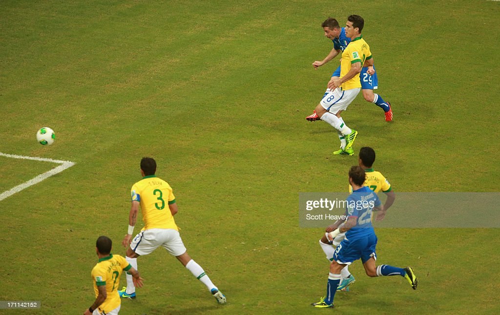 Emanuele Giaccherini of Italy (22) scores their first goal during the FIFA Confederations Cup Brazil 2013 Group A match between Italy and Brazil at Estadio Octavio Mangabeira (Arena Fonte Nova Salvador) on June 22, 2013 in Salvador, Brazil.