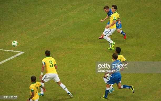 Emanuele Giaccherini of Italy scores their first goal during the FIFA Confederations Cup Brazil 2013 Group A match between Italy and Brazil at...