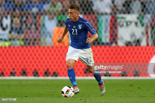 Emanuele Giaccherini of Itlay runs with the ball during the UEFA EURO 2016 quarter final match between Germany and Italy at Stade Matmut Atlantique...