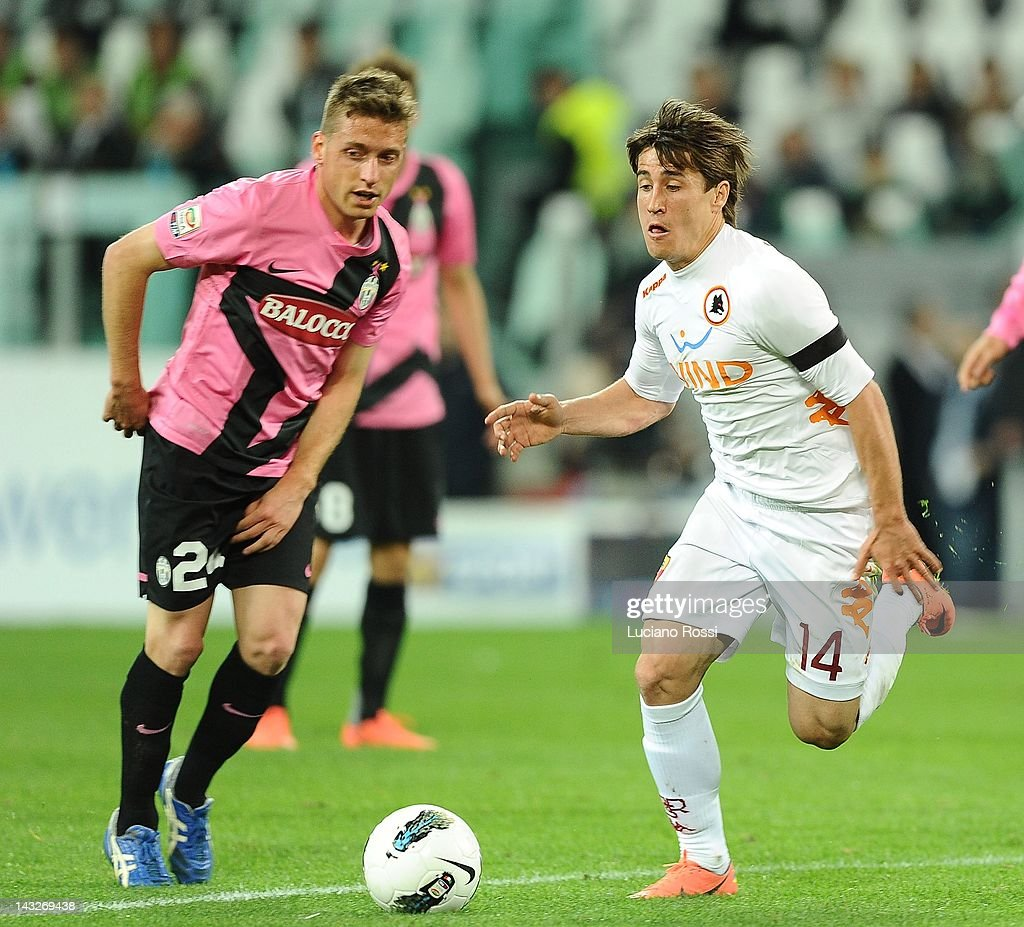 emanuele giaccherini of juventus fc and bojan krkic of as roma for