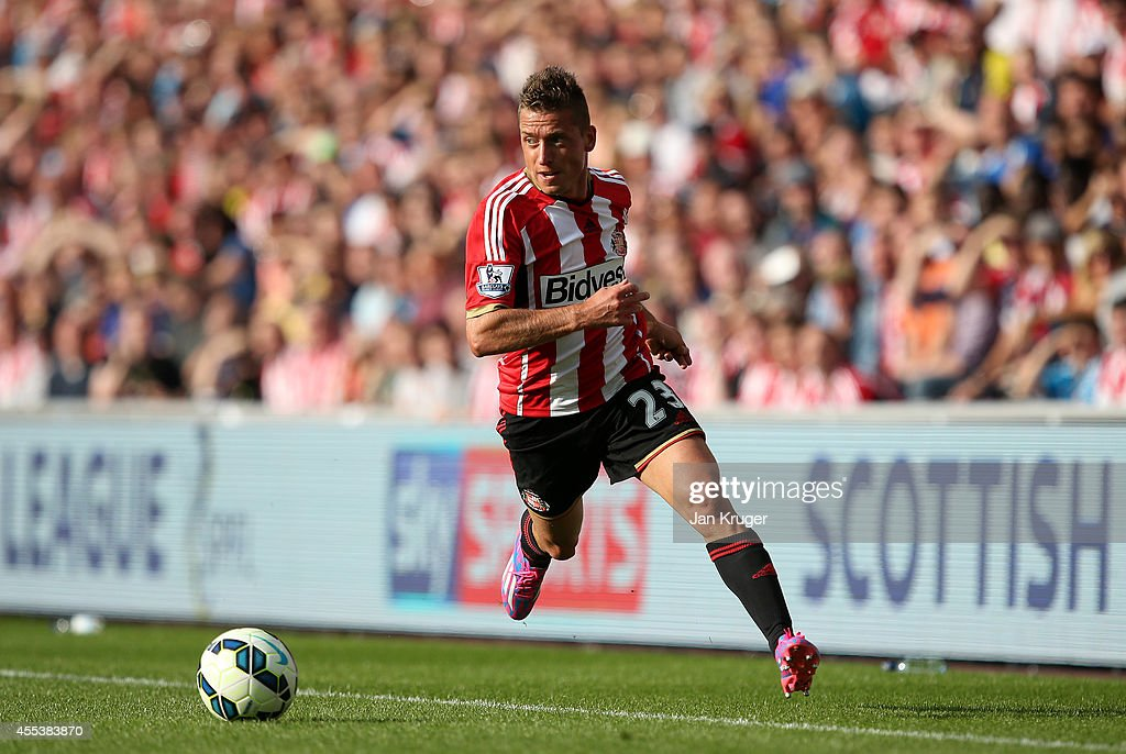 <a gi-track='captionPersonalityLinkClicked' href=/galleries/search?phrase=Emanuele+Giaccherini&family=editorial&specificpeople=6675873 ng-click='$event.stopPropagation()'>Emanuele Giaccherini</a> of Sunderland controls the ball during the Barclays Premier League match between Sunderland and Tottenham Hotspur at Stadium of Light on September 13, 2014 in Sunderland, England.