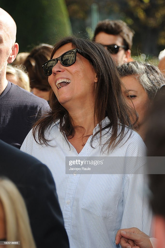 Emanuelle Alt arrives at Christian Dior Fashion Show during Paris Fashion Week Womenswear Spring/Summer 2014 on September 27, 2013 in Paris, France.