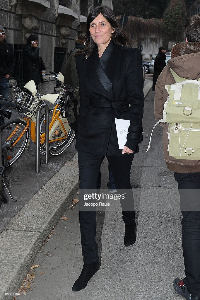 Emanuelle Alt arrives at the Alberta Ferretti show during Milan Fashion Week Womenswear Fall/Winter 2013/14 on February 20, 2013 in Milan, Italy.
