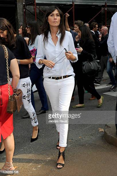 Emanuelle Alt arrives at the Dolce Gabbana Spring/Summer 2012 fashion show as part Milan Womenswear Fashion Week on September 25 2011 in Milan Italy