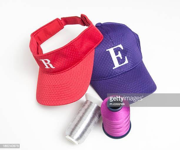 Broderie et chapeaux