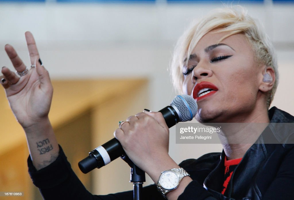 <a gi-track='captionPersonalityLinkClicked' href=/galleries/search?phrase=Emeli+Sande&family=editorial&specificpeople=7220317 ng-click='$event.stopPropagation()'>Emeli Sande</a> performs during the JetBlue Live From T5 Concert Series at JFK Airport on April 26, 2013 in New York City.
