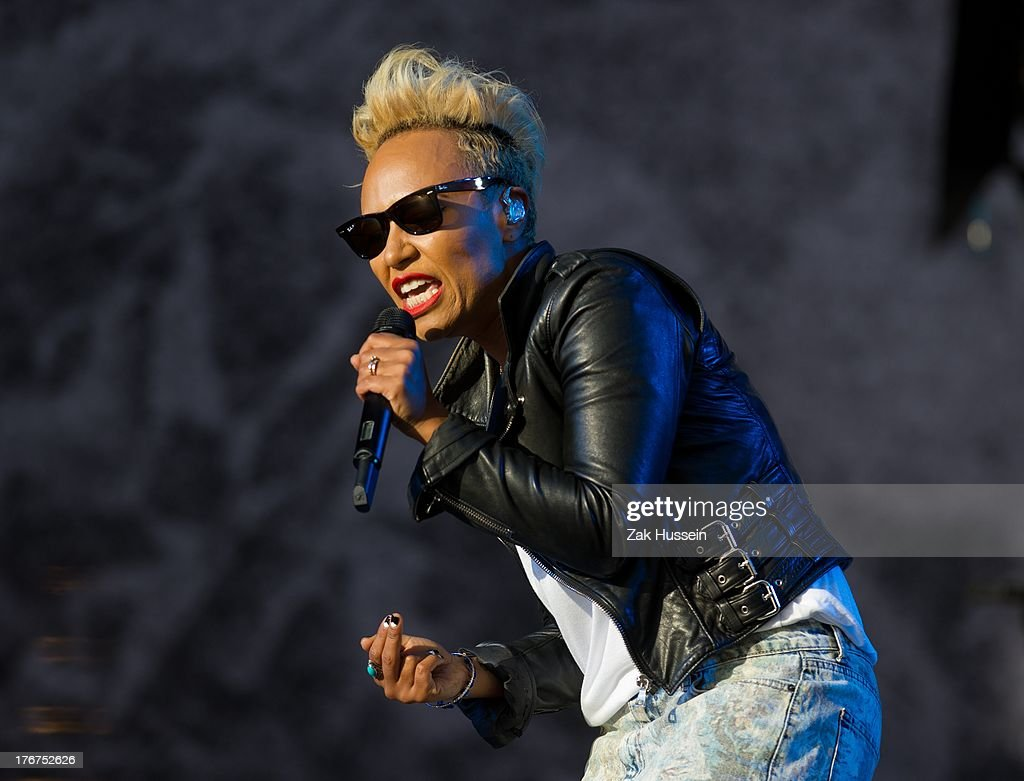 <a gi-track='captionPersonalityLinkClicked' href=/galleries/search?phrase=Emeli+Sande&family=editorial&specificpeople=7220317 ng-click='$event.stopPropagation()'>Emeli Sande</a> performs on day 2 of the V Festival at Hylands Park on August 18, 2013 in Chelmsford, England.