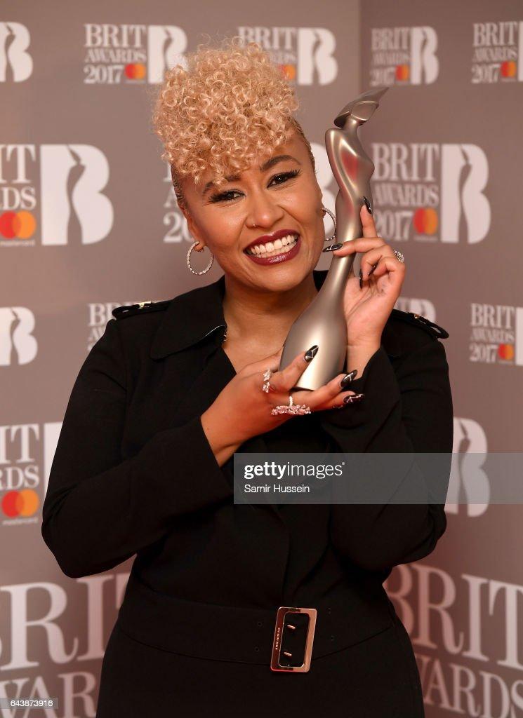 """Képtalálat a következőre: """"brit award 2017 emeli sande"""""""