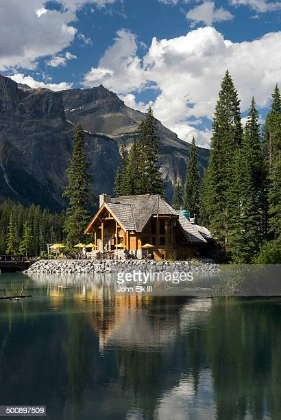 Emerald Lake, lodge