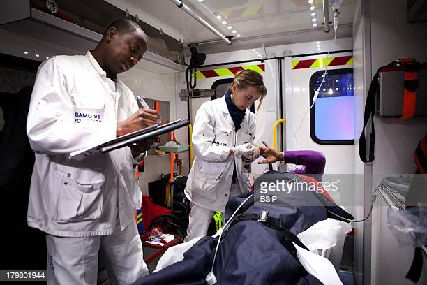 Emergency Medical Service team of Pontoise hospital France Intervention of pregnant woman