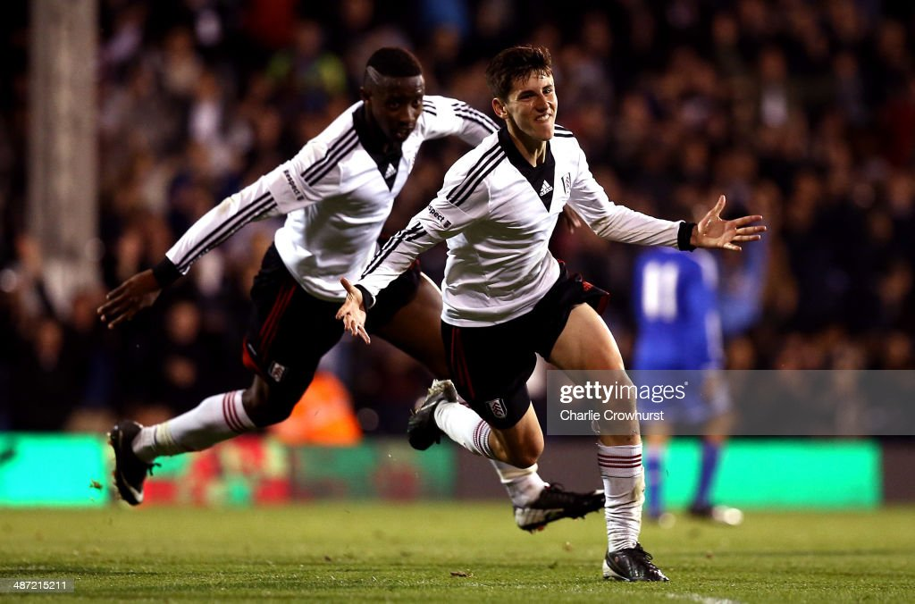 <a gi-track='captionPersonalityLinkClicked' href=/galleries/search?phrase=Emerson+Hyndman&family=editorial&specificpeople=12705136 ng-click='$event.stopPropagation()'>Emerson Hyndman</a> of Fulham celebrates after scoring the teams second goal during the FA Youth Cup Final: First Leg match between Fulham and Chelsea at Craven Cottage on April 28, 2014 in London, England.