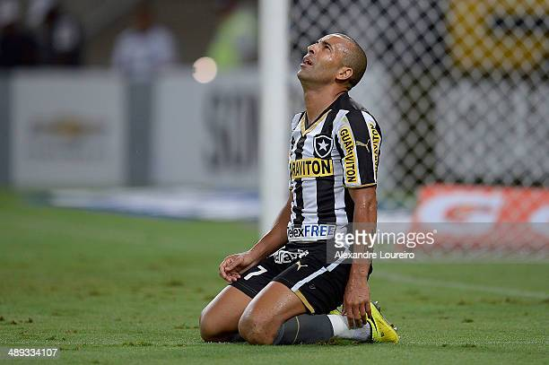 Emerson Sheik Êof Botafogo reacts during a match between Botafogo and CriciumaÊ as part of Brasileirao Series A 2014 at Maracana on May 10 2014 in...