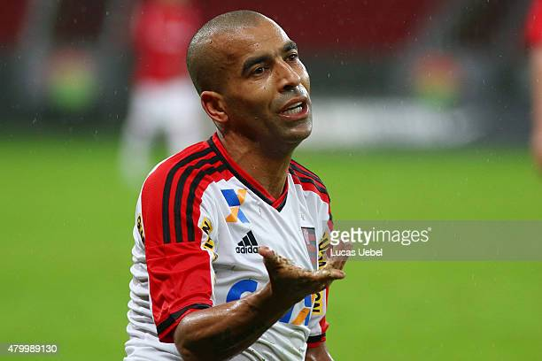 Emerson Sheik of Flamengo during the match between Internacional and Flamengo as part of Brasileirao Series A 2015 at Estadio BeiraRio on July 08 in...