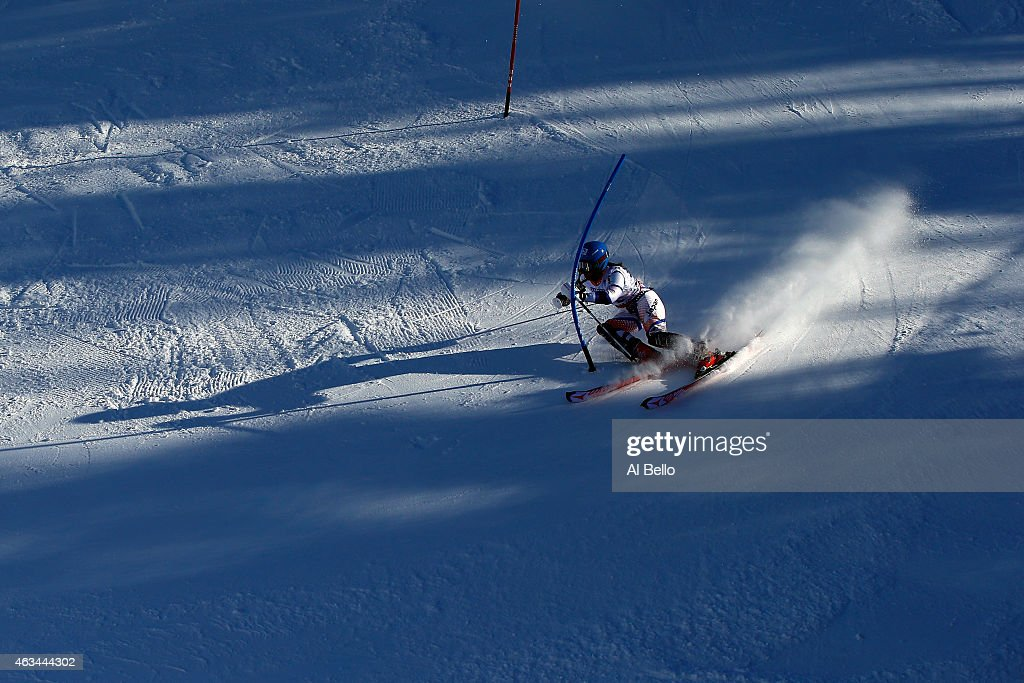 Emi Hasegawa of Japan races during the Ladies' Slalom on the Golden Eagle racecourse on Day 13 of the 2015 FIS Alpine World Ski Championships on February 14, 2015 in Beaver Creek, Colorado.