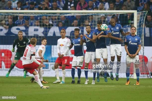 Emil Forsberg of Leipzig delivers a free kick during the Bundesliga match between FC Schalke 04 and RB Leipzig at VeltinsArena on August 19 2017 in...