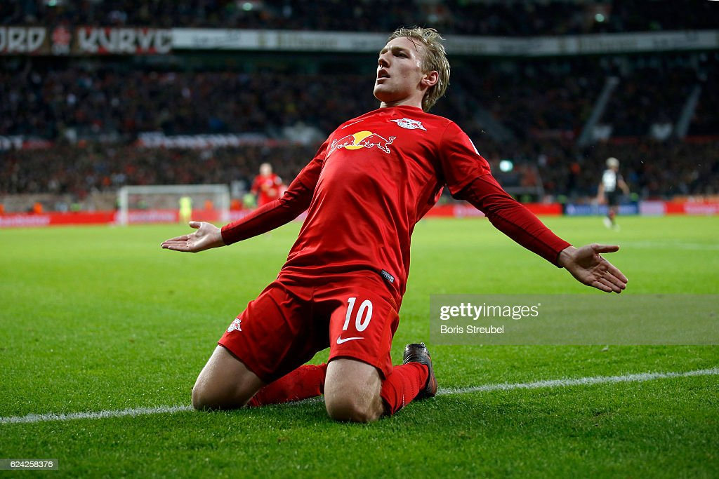 Emil Forsberg of RB Leipzig celebrates after scoring his team's second goal during the Bundesliga match between Bayer 04 Leverkusen and RB Leipzig at BayArena on November 18, 2016 in Leverkusen, Germany.