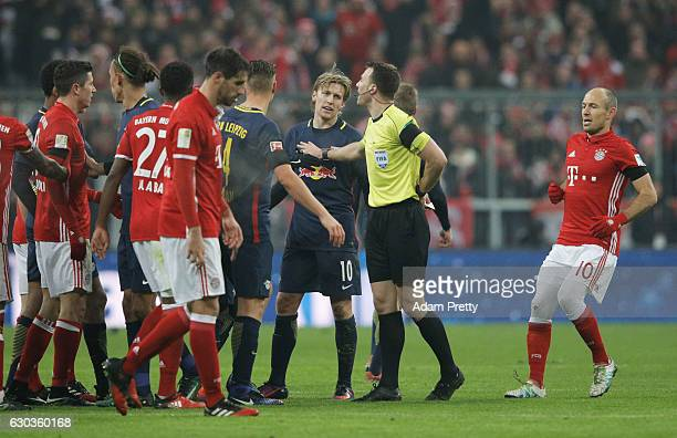 Emil Forsberg of RB Leipzig is sent off during the Bundesliga match between Bayern Muenchen and RB Leipzig at Allianz Arena on December 21 2016 in...