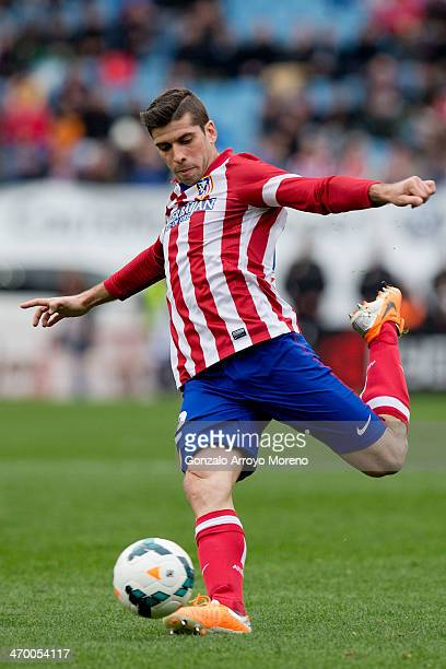 Emiliano Insua of Atletico de Madrid controls the ball during the La Liga match between Club Atletico de Madrid and Real Valladolid CF at Vicente...