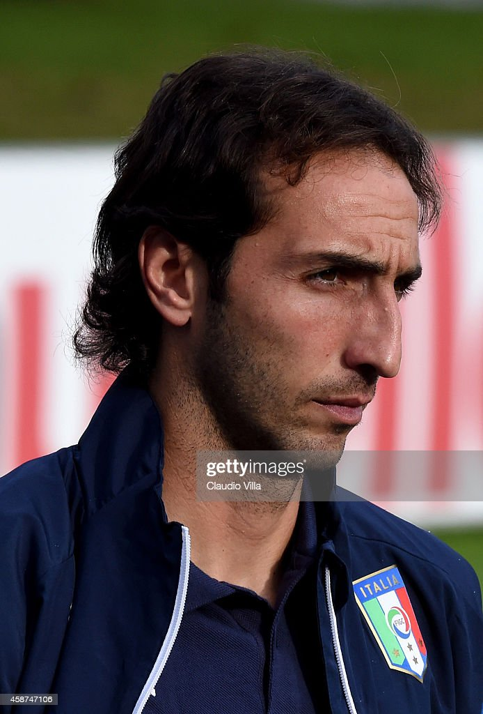 <a gi-track='captionPersonalityLinkClicked' href=/galleries/search?phrase=Emiliano+Moretti&family=editorial&specificpeople=653861 ng-click='$event.stopPropagation()'>Emiliano Moretti</a> prior to the Italy Training Session at Coverciano on November 10, 2014 in Florence, Italy.