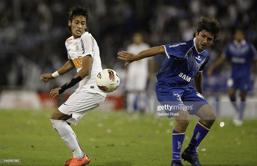 Velez v Santos - Copa Libertadores 2012