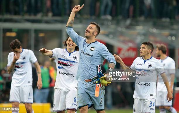 Emiliano Viviano of UC Sampdoria celebrates victory at the end of the Serie A match between FC Internazionale and UC Sampdoria at Stadio Giuseppe...