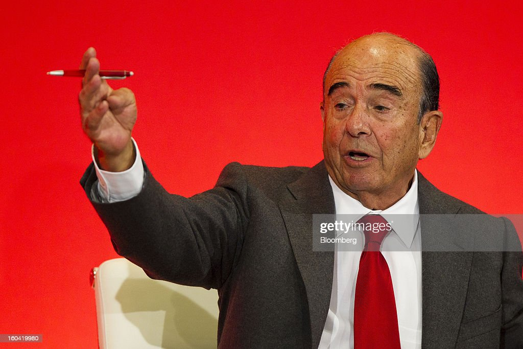 Emilio Botin, chairman of Banco Santander SA, gestures during a news conference in Madrid, Spain, on Thursday, Jan. 31, 2013. Banco Santander SA posted a fourth-quarter profit that missed analyst estimates as Spain's biggest lender set aside money for further loan losses in its home market and earnings slumped in Brazil and Britain. Photographer: Angel Navarrete/Bloomberg via Getty Images