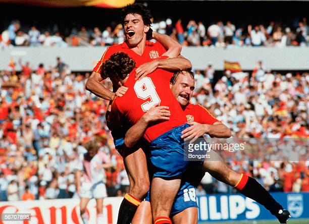 Emilio Butragueno of Spain celebrate after his second goal with his team during the World Cup eigth final match between Denmark and Spain on June 18...
