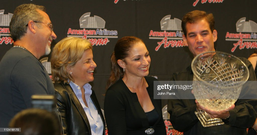 <a gi-track='captionPersonalityLinkClicked' href=/galleries/search?phrase=Emilio+Estefan&family=editorial&specificpeople=210517 ng-click='$event.stopPropagation()'>Emilio Estefan</a>, <a gi-track='captionPersonalityLinkClicked' href=/galleries/search?phrase=Ileana+Ros-Lehtinen&family=editorial&specificpeople=588095 ng-click='$event.stopPropagation()'>Ileana Ros-Lehtinen</a>, <a gi-track='captionPersonalityLinkClicked' href=/galleries/search?phrase=Gloria+Estefan&family=editorial&specificpeople=201703 ng-click='$event.stopPropagation()'>Gloria Estefan</a> and Mayor Alex Penallas awarding her with the Mayor's Lifetime Achievement Award