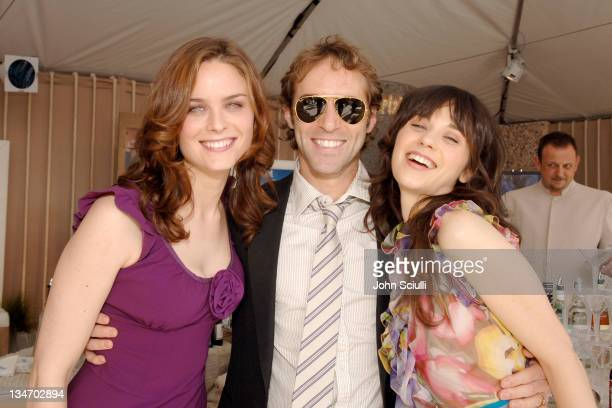 Emily Deschanel Alessandro Nivola and Zooey Deschanel *EXCLUSIVE*