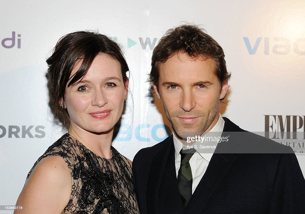 <a gi-track='captionPersonalityLinkClicked' href=/galleries/search?phrase=Emily+Mortimer&family=editorial&specificpeople=202561 ng-click='$event.stopPropagation()'>Emily Mortimer</a> and <a gi-track='captionPersonalityLinkClicked' href=/galleries/search?phrase=Alessandro+Nivola&family=editorial&specificpeople=240468 ng-click='$event.stopPropagation()'>Alessandro Nivola</a> attend Reel Works 2012 Gala Benefit at The Edison Ballroom on October 10, 2012 in New York City.