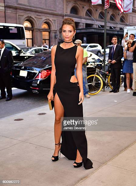 Emily Ratajkowski arrives to the The Daily Front Row's 4th Annual Fashion Media Awards at Park Hyatt New York on September 8 2016 in New York City