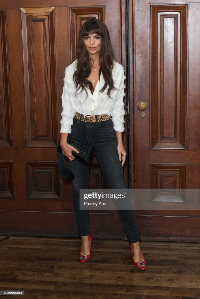 Emily Ratajkowski attends Marc Jacobs Spring 2018 show red carpet at Park Avenue Armory on September 13, 2017 in New York City.