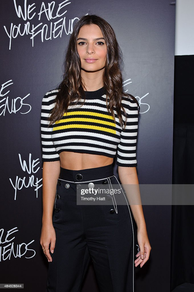 Emily Ratajkowski attends the Chicago premiere of 'We Are Your Friends' at Showplace Icon Theater on August 19, 2015 in Chicago, Illinois.