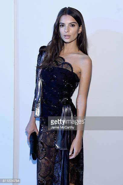 Emily Ratajkowski attends the Marc Jacobs Fall 2016 fashion show during New York Fashion Week at Park Avenue Armory on February 18 2016 in New York...