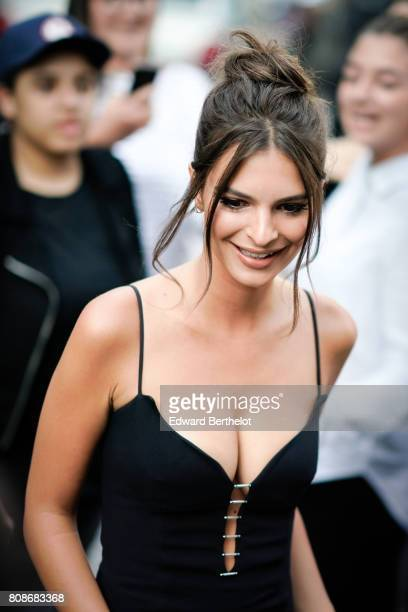 Emily Ratajkowski attends the Vogue Foundation Dinner during Paris Fashion Week Haute Couture Fall/Winter 20172018 on July 4 2017 in Paris France