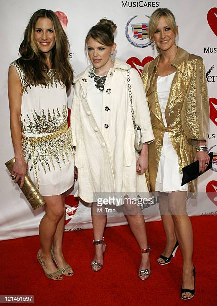 Emily Robison Natalie Maines and Martie Maguire of the Dixie Chicks